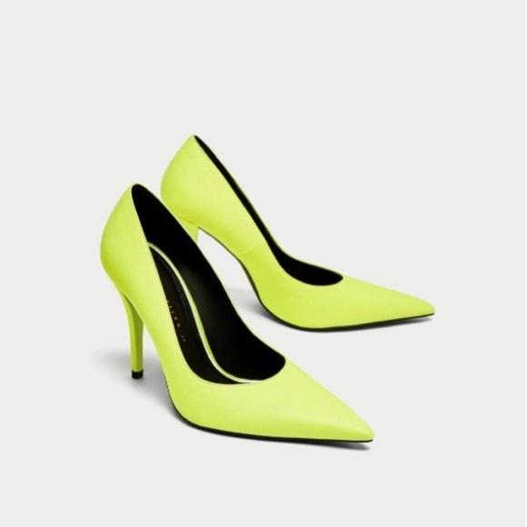 66d0639967f NWOT Neon Green ZARA HEELS. M 5a9f72a246aa7c15190dd1f3